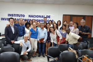 Impartition of a prospective course for the Government of Cuba